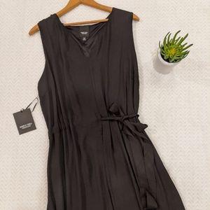 NWT Simply Vera Wang Black Bow Dress